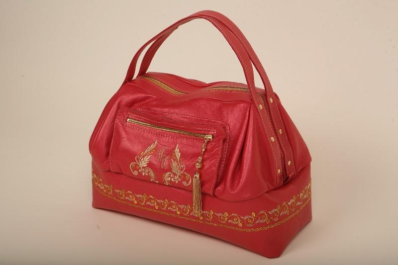 Как сшить сумку для девочки ... должна хорошо вмещаться в ... По желанию...