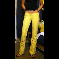yellowpants03