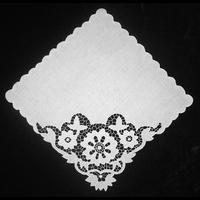 Уголок белого цвета