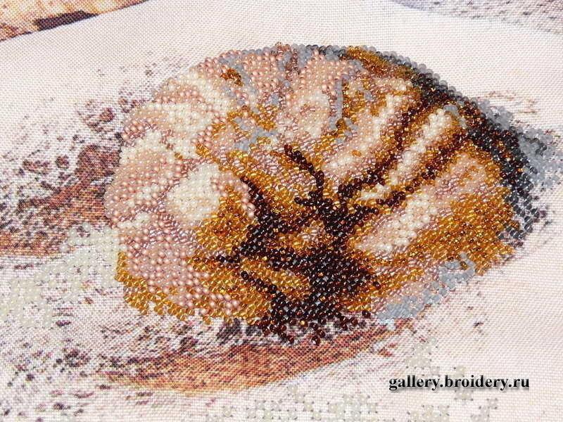 Вышивка ракушка с бисером