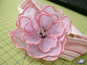 Вышиваем объемный цветок