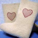 Вышивка на валенках_сердце