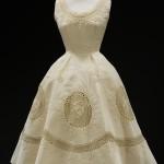 Вечернее платье в нежной вышивкой в тонl