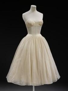 Нижнее платье