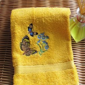 Машинная вышивка. Махровое полотенце