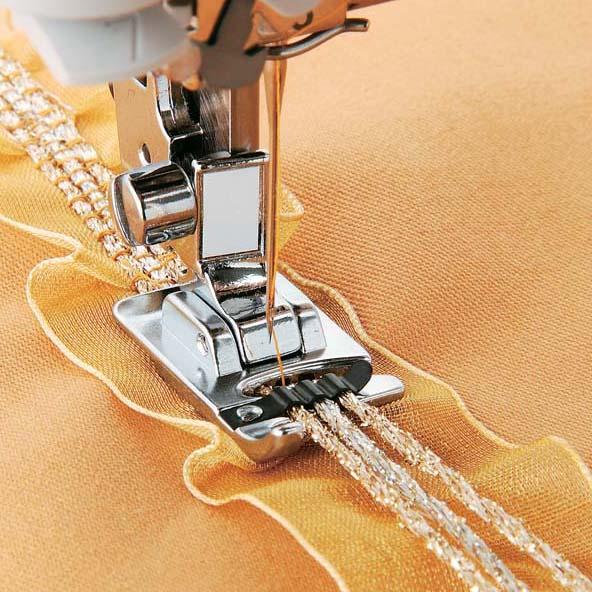 Работа на лапках при шитье