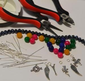Инструменты и материалы для создания браслета своими руками