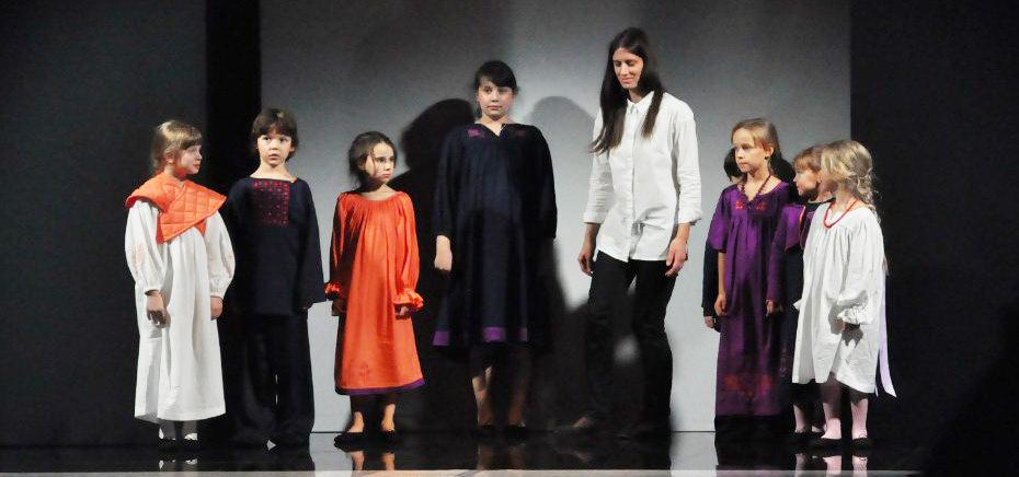 Аня Толстая - российский дизайнер детской одежды