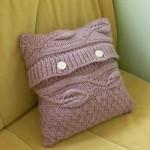 Переделка свитера. Шьем декоративную подушку