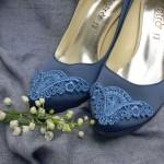 Как украсить туфли вышитым кружевом