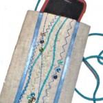 Декор лентами и пряжей: Шьем чехол для мобильного телефона