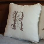 Подушка с монограммой