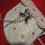 Кружевная сумочка с кисточками