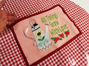 Фартук для работ в саду: Карман с вышивкой