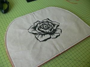 Сумка из фетра украшенная машинной вышивкой: Машинная вышивка