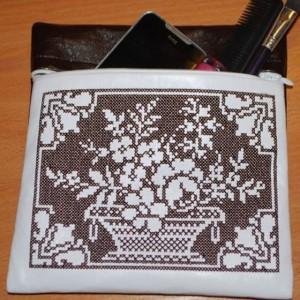 Машинная вышивка крестом: Кошелек
