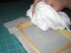 Аппликация в пяльцах 10х10 см: Как наносить клей-спрей
