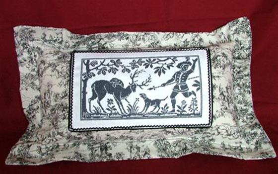 Машинная вышивка крестом декоративная подушка