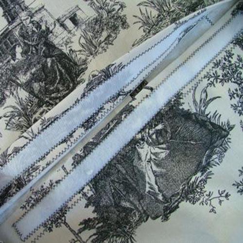 Вышитая крестом подушка: Пришиваем ленту-велкро