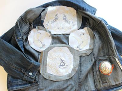 Джинсовая куртка с машинной вышивкой: Пришивание аппликации