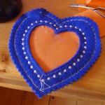 Шьем в пяльцах сердечки-валентинки