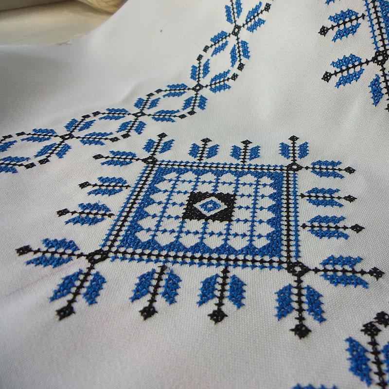 Стыковка: Машинная вышивка крестом на широком бордюре