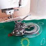 Работаем с лапкой для шитья узоров по кругу