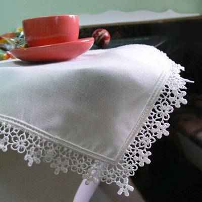 Машинная вышивка по краю изделия
