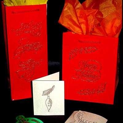 Вышиваем по бумаге. Упаковываем новогодние подарки
