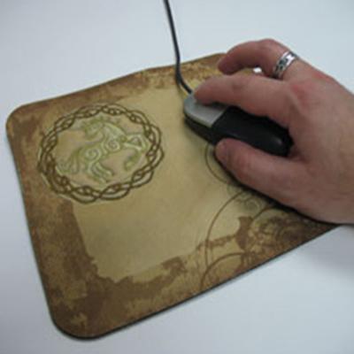 Машинная вышивка: Коврик для компьютерной мыши