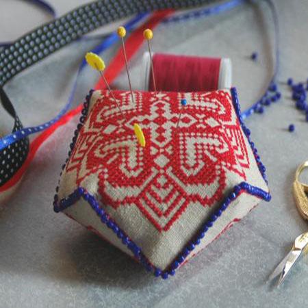 Машинная вышивка крестом: Бискорню