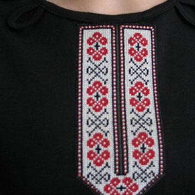 Декор: Футболка украшенная вышивкой крестом